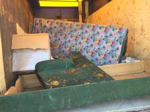 Сага о строительном мусоре и старом диване